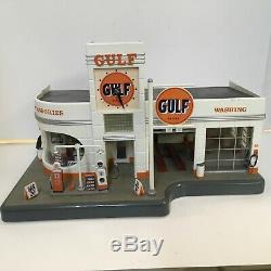 Danbury Mint Gulf Gas Service Station Clock & Diorama 148 Lighted Car Wash