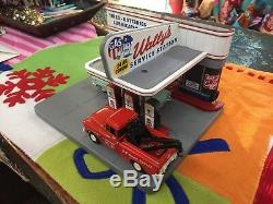Limited Edition O Gauge Wallys Gas & Service Station Pre Built Cruising Series