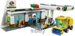 New Official LEGO 2-in-1 City Set Service Station #60132 Octan Gas Station