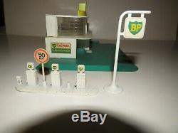 Vintage Lesney Matchbox MG-1 BP Gas / Petrol Sales and Service Station