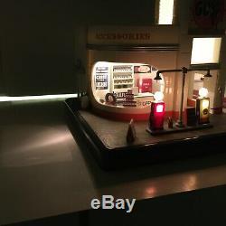 Danbury Service De Gaz Du Golfe Mint Station Horloge Et Diorama 148 Lighted Car Wash