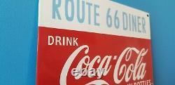 Panneau De La Vieille Route De Porcelaine Coca Cola 66 De La Station De Service Des Boissons Gazeuses