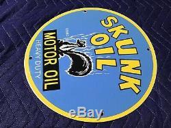 Pompe À Huile Vintage Skunk Moteur Porcelaine 12 Gas Plate Service Station Rare Sign