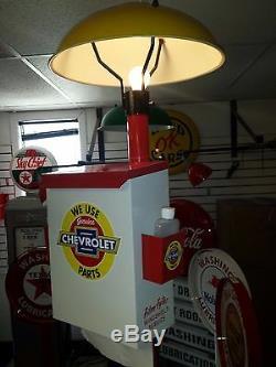 Service Classique Chevrolet Pièces De Pompe À Gaz Station Island Light Avec La Boîte De Serviettes