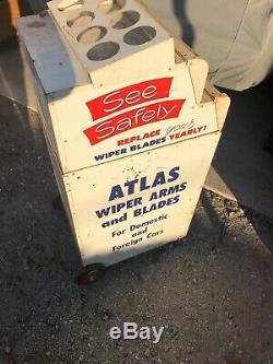 Service Vintage Atlas D'essuie-glace Station Vitrine Sur Roues