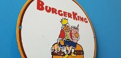 Signe De Station D'service De Boisson De Gaz De Coca Cola De Hamburger King De Cru