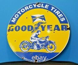 Signe Vintage De Pompe De Station D'essence De Moto En Porcelaine De Goodyear De Moto