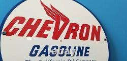 Signe Vintage De Station D'service De Gaz En Métal De Pétrole De Chevron D'essence De La Californie