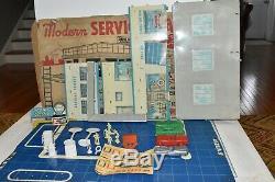 Vintage Marx Modern Service Centre Station Tin Litho & Accessoires Box