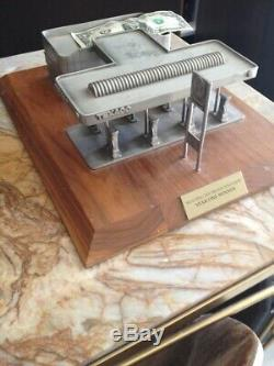 Vintage Texaco Miniature Étain Building Station Model Service Award